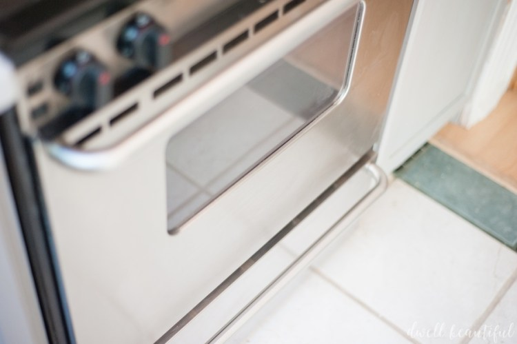 how to clean stainless steel stove