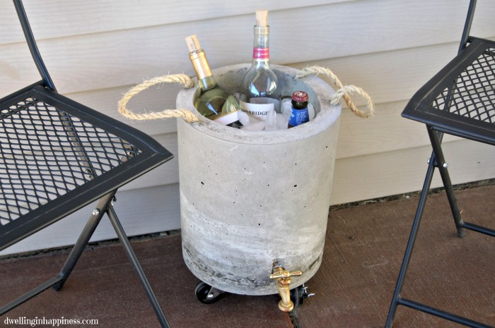 Diy concrete beverage cooler dwelling in happiness for Concrete wine cooler