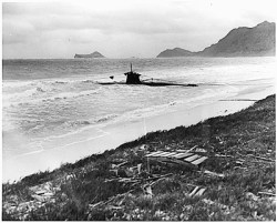 Jap two man sub beached after Pearl attack