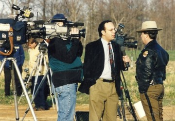 WUSA reporter Dave Statter interviews Maryland State Police spokesman Richard Barilone