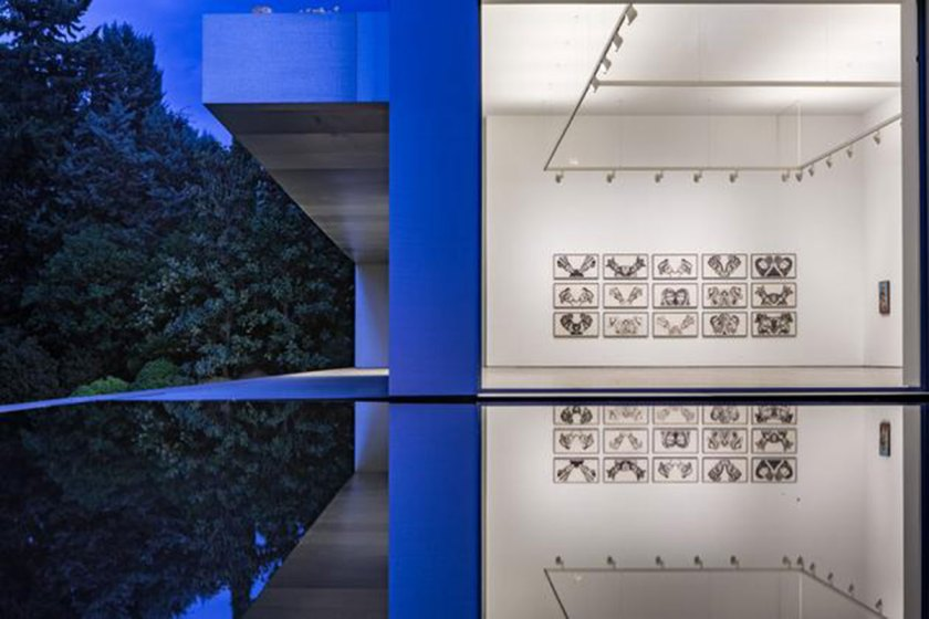 """Vista general sala de exposiciones de la galería Javier Lopez y Fer Frances con la obra """"Alba"""" de Francesco Clemente. Imagen cortesía: Galería Javier Lopez y Fer Frances"""