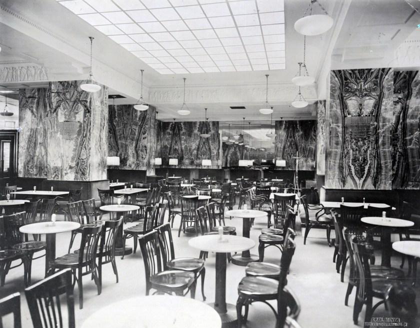 Interior-Cafè-Kapua_The-Albertina-Museum,-Vienna_ALA3298