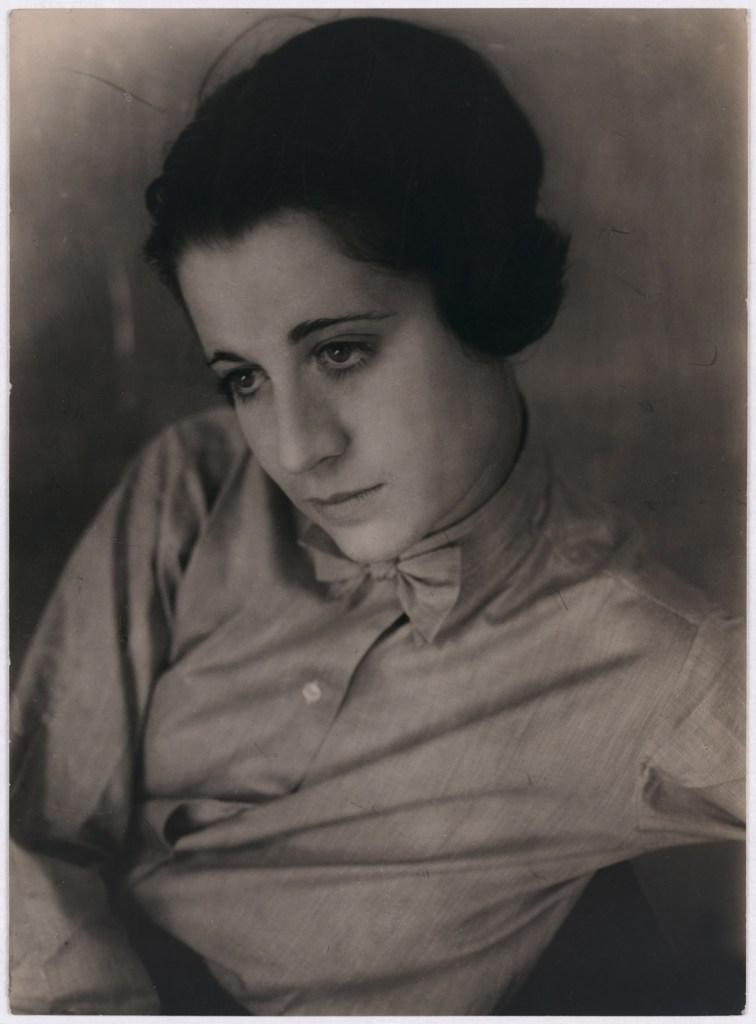 Umbo_Ohne-Titel-Porträt_1927_Berlinische-Galerie