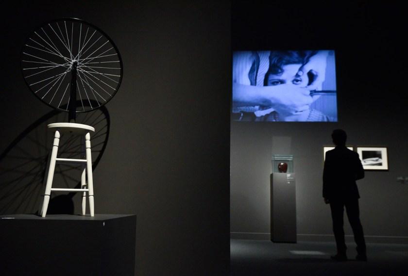 surrealismo-y-diseno-una-cosa-debe-ser-siempre-lo-que-parece-caixaforum-bcn-12