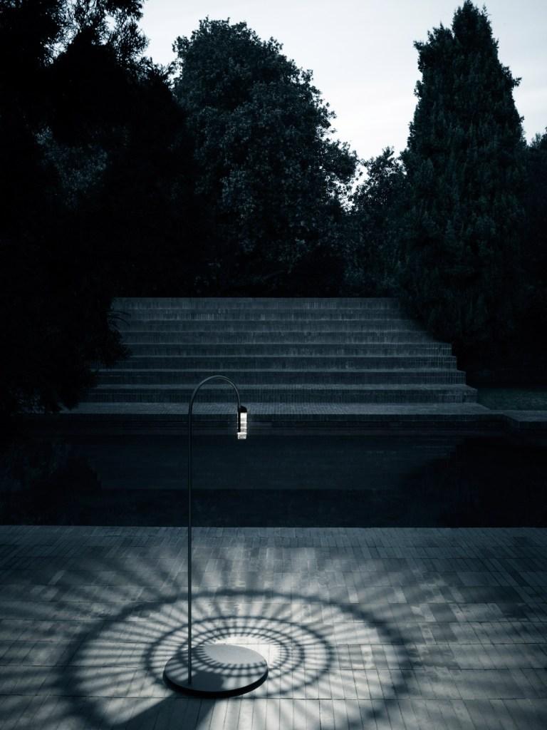 caule-una-flor-luminosa-by-patricia-urquiola-09