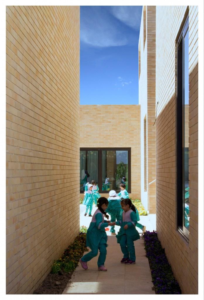 complejo-educativo-noormobin-el-barrio-como-espacio-de-aprendizaje-13