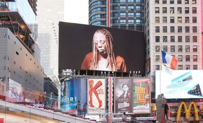 Martine Syms, Lesson LXXV, 2017 (Installationsansicht / Installation view), Public Art Fund, Time Square, New York, 6. Feburar – 5. März 2017 / February 6 – March 5, 2017 © Martine Syms, courtesy Public Art Fund and Sadie Coles HQ, London