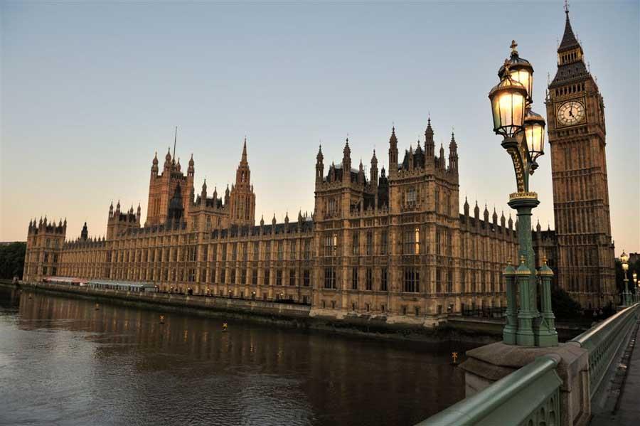 House of Parliament  - 7 Tempat Wisata Di London Inggris yang Wajib Kamu Kunjungi