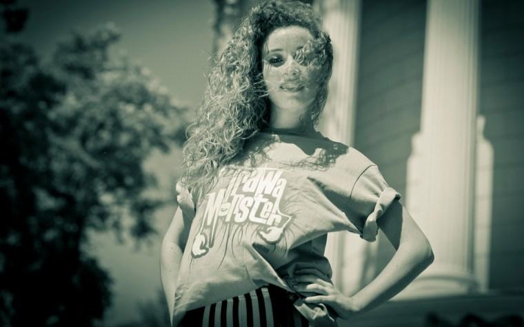 Nereida Gonzalez – Spanish character in a dancehall rhythm.[VIDEO]