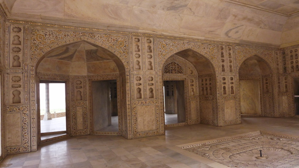 What to Do in Agra; Backpacking India; Backpacking Rajasthan and Agra; D.I.Y. Rajasthan; D.I.Y. Agra; Agra Fort