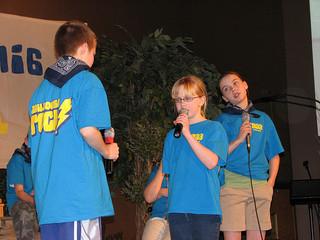 kids singing together
