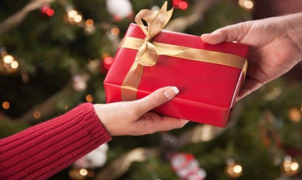 HOLIDAY GIFT GIVING \u2013 DENTIST STYLE - East Cobber