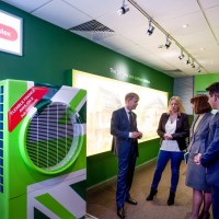 Hedge End business shows MP latest heating technology