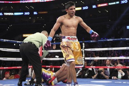 003 Abner Mares vs Anselmo Moreno Mares decision Moreno; Cleverly destroys Hawk; Angulo, Santa Cruz also win