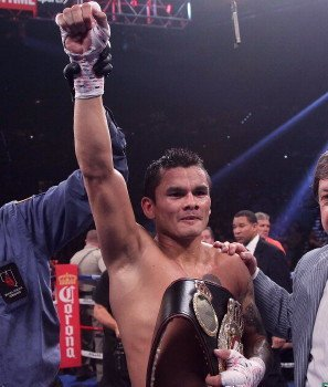 "Marcos Maidana Stops A Game Jesus Soto Karass In Drama Filled Slugfest   ""El Chino"" Back To His Entertaining Best!"