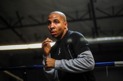 Andre Ward Returns to the Boxing Gym Following Successful Shoulder Surgery