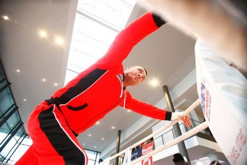 KlitschkoWladimir PublicAddress101 Photos; Klitschko   Wach Workout; Refs and Jugdes Announced