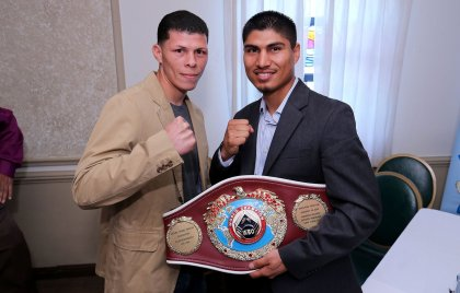 Mikey Garcia picks up his WBO featherweight title