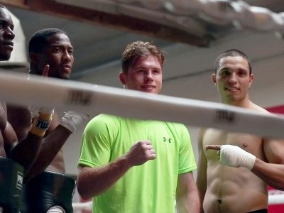 "Mayweather calls Canelo ""Chucky"" and ""Carrot top"""