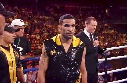 "Mundine stops Mosley, becomes the first man to do so   ""The Man"" calls out Mayweather!"