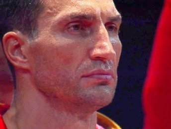 Klitschko dominates Povetkin in dull fight