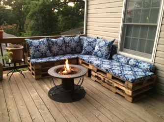 Pallet-Outdoor-Sectional-Sofa