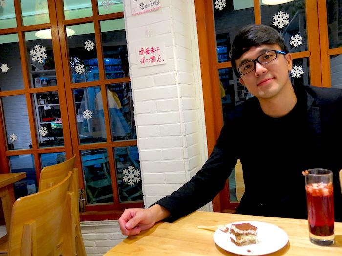 Evans at Momi Cafe Suzhou