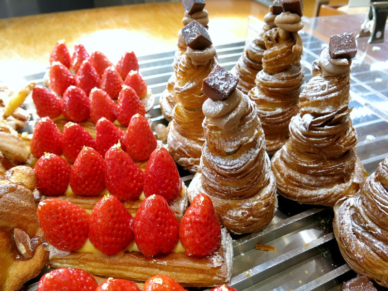 Passion 5 Itaewon Strawberry and Chocolate Pastries