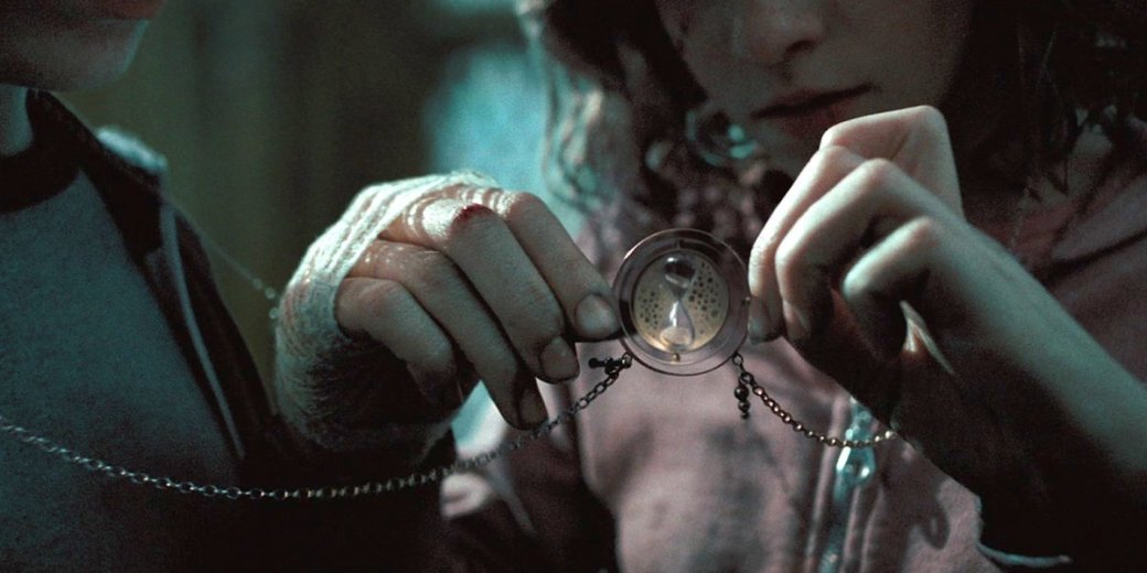 8-harry-potter-can-travel-in-time