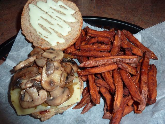 Turkey burger with mushrooms
