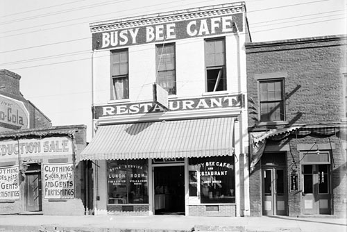 Review busy bee cafe raleigh eat it north carolina for Carolina fish fry wilmington nc
