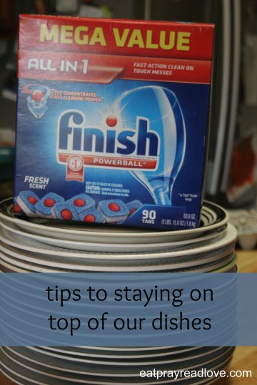 Tips to stay on top of dishwashing. #SparklySavings #CollectiveBias- use the best dishwasher detergent!