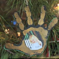 Photo Handprint Ornaments: 25 Days of All Things Christmas
