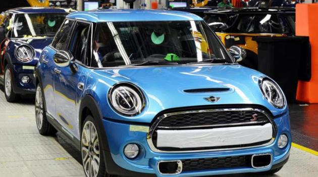 Mini Five Door Goes to Production