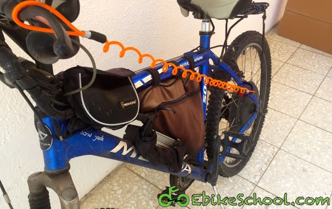 reminder cable on ebike bicycle wheel lock