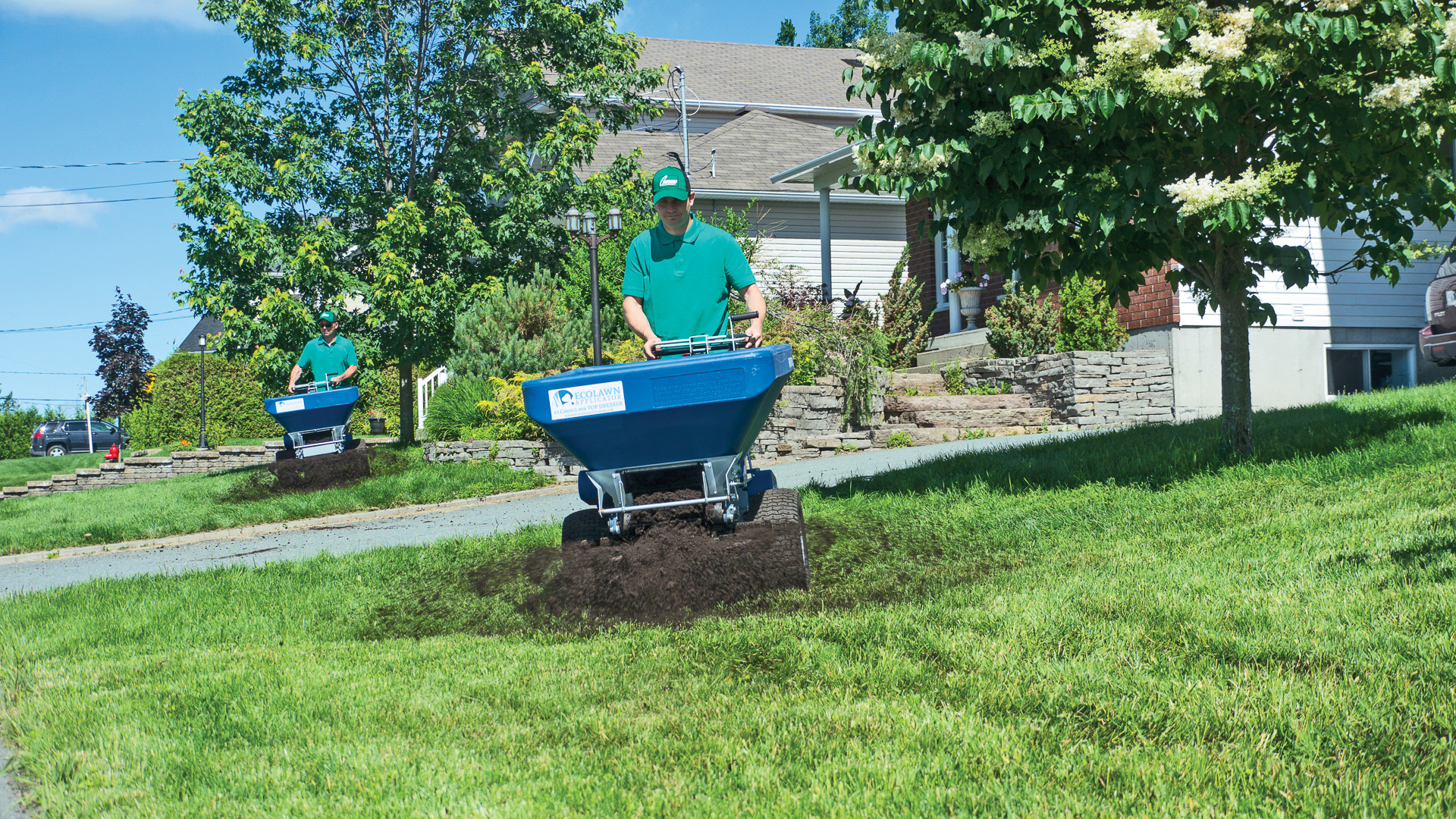 Spread Sand Compost Top Soil with Ease