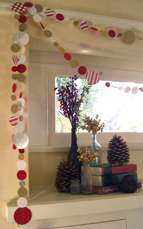 38 DIY Garlands DIY Craft & Felt Garland Tips and Ideas to string and add cardboard letters -via my Christmas House. DIY Pom Pom Garland – redlightsocial.ml Book Page Garland – BHG. Snowflake Garland and How to Cut Out Paper Snowflakes In My Own Style. DIY Heart Garland (cut out any shape you want!) How to Make a Chunky Pinecone.