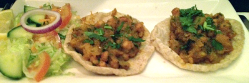 Voll puri: aromatic chickpeas on puffy bread