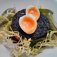 Black pudding on brioche, with quail's egg, at Edinburgh Larder.