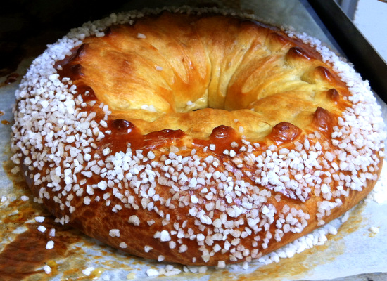 This is a brioche couronne or crown. Looks inviting doesn't it?