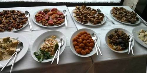 A tempting buffet: where do you start? (And this is only one of the tables.) Locanda de Gusti, Edinburgh.