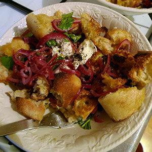 Panzanella: quick, fresh and tasty.