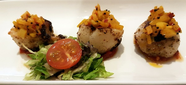 Marinated scallops with mango and tomato coulis. Navadhanya, Edinburgh.