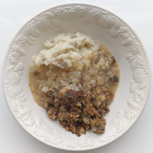 Let's be honest, haggis isn't a pretty dish but it is warming and comforting and happy-making. HEre with mash and gravy.