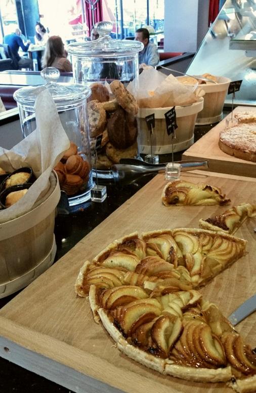 brunch restaurant lafayette hyatt regency paris etoile buffet dessert