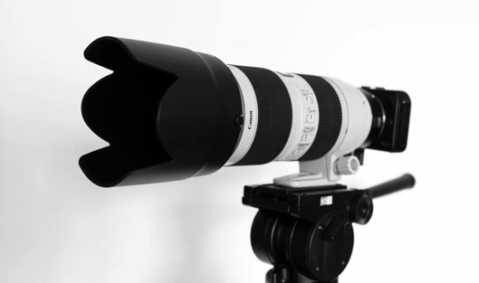 Can EOS M with 70-200 mm lens