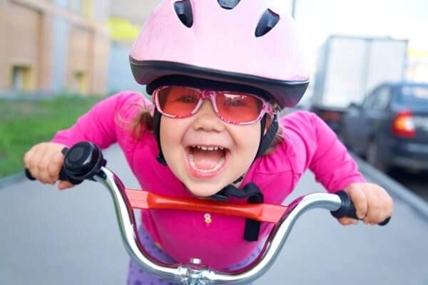 niña bicicleta