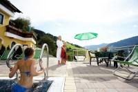 Wellness im Eggerhof: Hotel mit beheiztem Auenpool