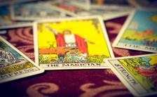 茶々丸が読み解くタロットの世界<br>~第一番「魔術師」~