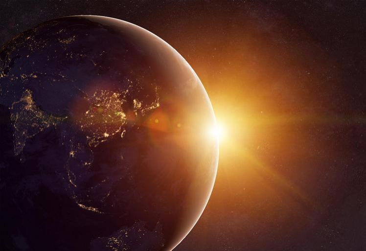 6月21日、今日は夏至。昨日の満月からエネルギーシフトが起きている!? パワフルさを味方につけて運を上げる、自分を救う。